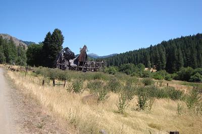 Massive barn/ruin on the way to Idaho from Oregon.