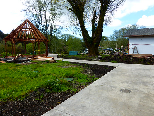 New park structures at Siletz