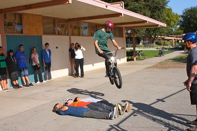 Nord jumping three students