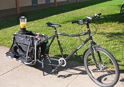 Bike blender to make fresh smoothies