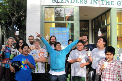Group photo at Blenders in the Grass