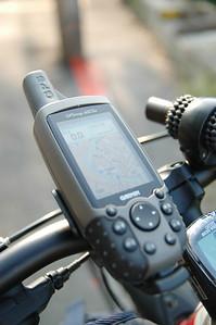 擔任導航、高度測量與航跡記錄的Garmin 60CSx