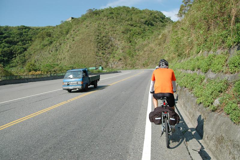 這段路比較寬,只需專注慢慢龜上山
