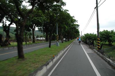 準備進入台東市區了,一大段的平緩下坡,騎得十分輕鬆