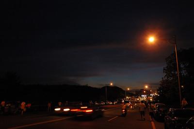 繼兩年前五個男人的墾丁之旅後,這次變成三個單車男踏上夜晚熱鬧的墾丁街頭