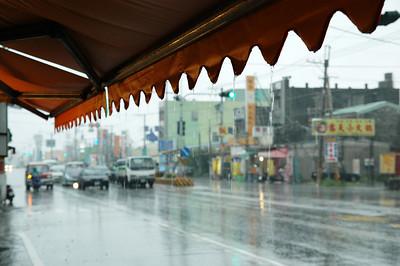 下雨,又是滂汑大雨
