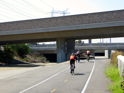 I am not the only rider on the LA River Bikeway