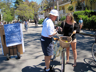 Bob giving instructions to a student who received a free bike light