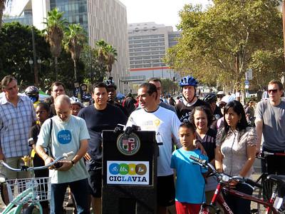 Mayor of Los Angeles: Antonio Villaraigosa http://en.wikipedia.org/wiki/Antonio_Villaraigosa