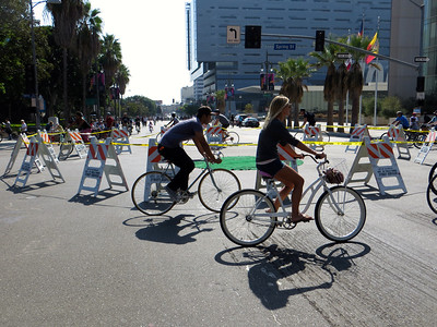 Round about for CicLAvia riders