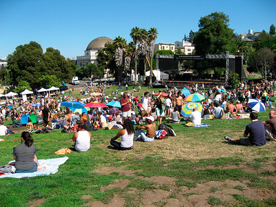 San Francisco Symphony playing at Dolores Park