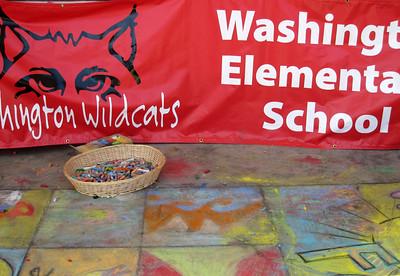 Kids activities: chalk drawing