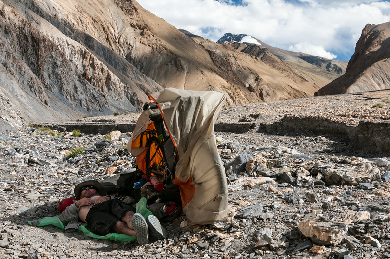 Improvised shade in the Langthang Chen river valley