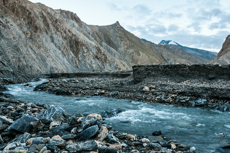 Low water on the Langthang Chen