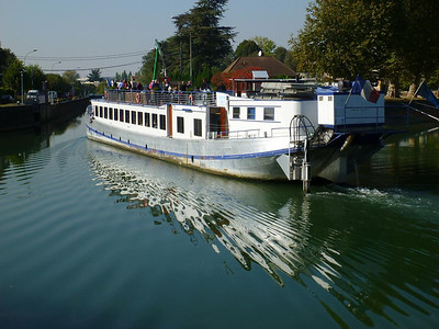 Tour boat in the Marne canal