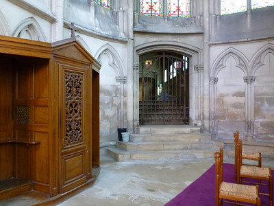 Passage to the chapter house