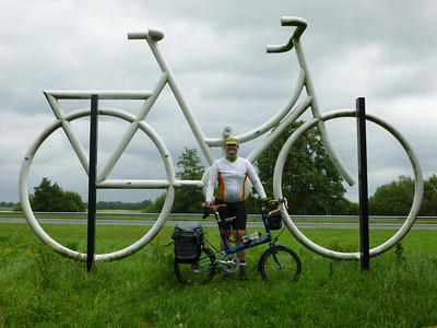 Brian, Bike Friday, and Giant Bike (near Harderwijk)