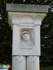 World War I monument in Saint-Augustin