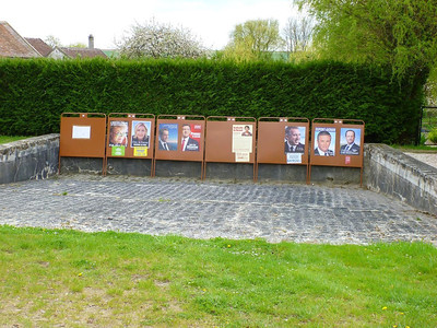 Election posters in La Chapelle-Iger