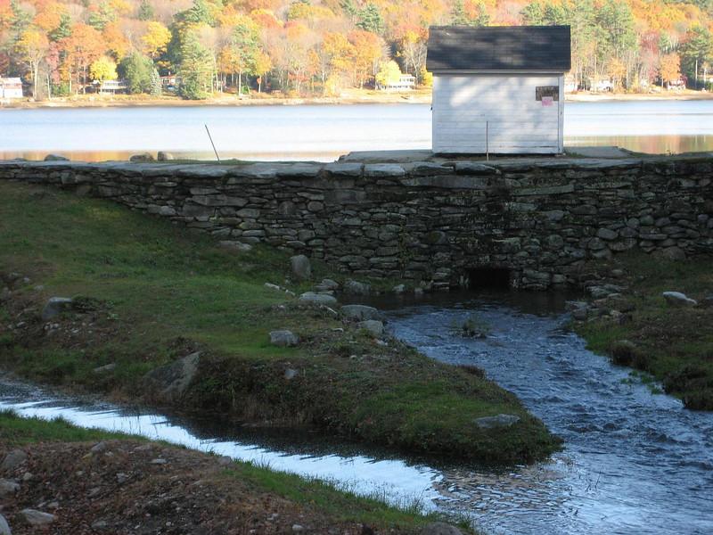 The Lake Wyola dam