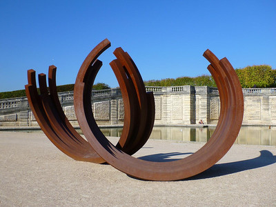 Another Venet sculpture