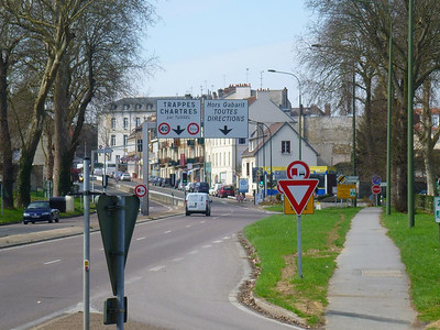 Entering downtown Saint-Cyr
