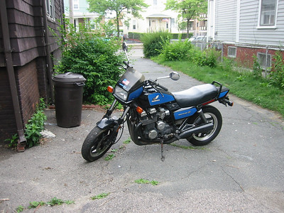 My first motorcycle, a 1984 Honda Nighthawk 'S'.  I miss it.