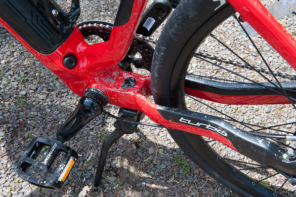 There is a key lock to secure the lithium battery. There also is a standard kick-stand - as it comes down it splits to two legs and holds the bike very well. First bike since I was in the third grade that had a kick-stand.