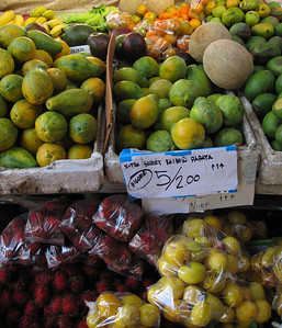 Farmers' market in Kona