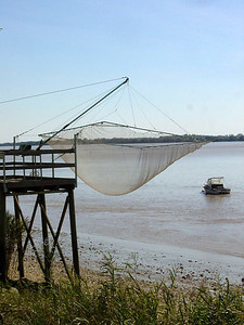 Fishing net along the Gironde