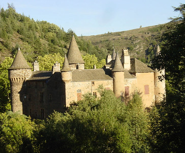 Pretty Chateau du Champ