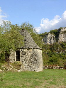 cazelle or gariotte: an architecture of dry stone domes typical of calcareous plateau