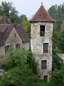 Old pigeonnier in Carennac
