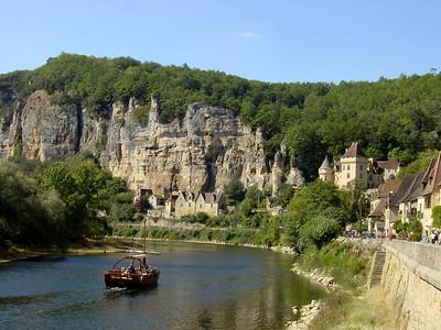 La Roque Gageac (beautiful village)