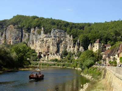 La Roque Gageac (beautiful village)