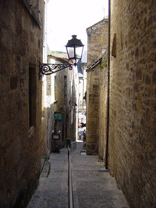 narrow street in Sarlat