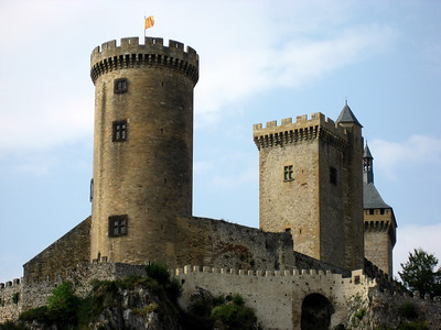 Chateau de Foix:   http://en.wikipedia.org/wiki/Ch%C3%A2teau_de_Foix  http://www.steephill.tv/2008/foix/