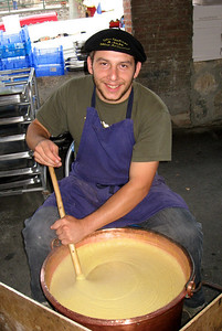 Foire de Tarascon (making some kind of cheese)