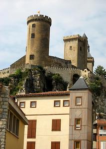 Chateau de Foix.  http://www.steephill.tv/2008/foix/