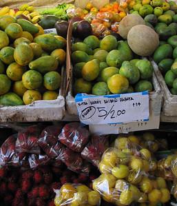 Farmers' market in Kona