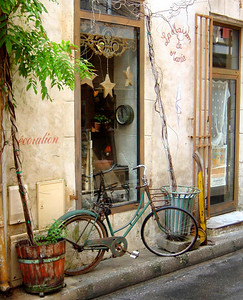 St Remy de Provence http://www.saintremy-de-provence.com/