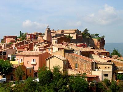 Roussillon http://www.avignon-et-provence.com/luberon/roussillon/gb/index.html