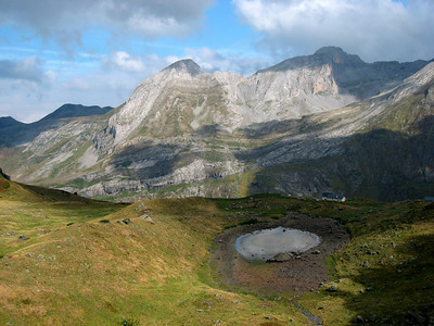 On the way to the Lac d'Artouste