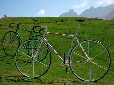 We made it!  http://www.steephill.tv/galleries/2005/soulor-aubisque/