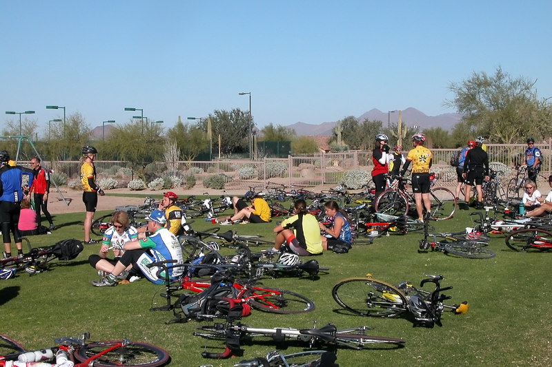Most riders continued to Las Sendas park for a light breakfast with fine machinery all over the place