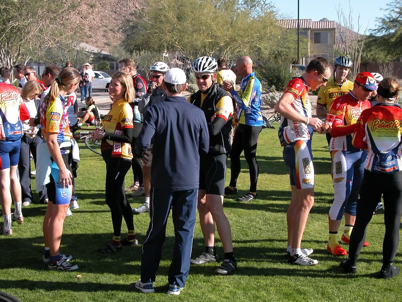 Most riders continued to Las Sendas park for a light breakfast