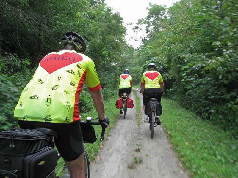 Seven ROMEOS rode the Montour Trail (a rail trail) around Pittsburgh.  The trail varied widely, from paved, to crushed limestone (like CVNP), to two narrow tracks.  We started in Coraopolis, rode the trail Clairton, and mainly rode rte. 837 back to the start point - about 90 miles.
