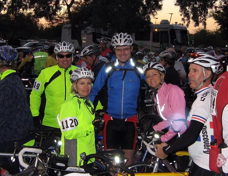 Bob, Lisa, George, and Deb before the start.  Photo by Eileen Lukes.