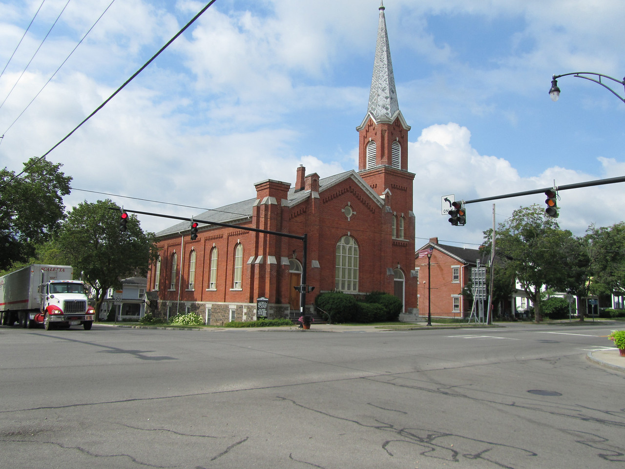 This one here was First Baptist on the SW corner.