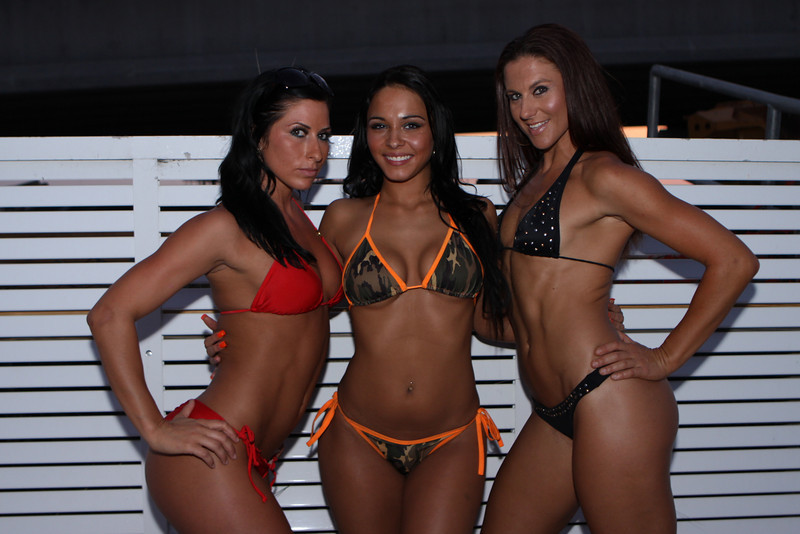 "The Famous Gators Bikini Contest 2010 Continues... Week 4 Sunday April 11, 2010  <a href=""http://www.24sevenmagazine.com/Bikini-Contests/Gators-April-11-2010/11810526_cNnRp#834553342_AEPei"" target=_blank>click here to see the full album...</a>  <a href=""http://www.24sevenmagazine.com/St-Petersburg/Gators/Gators-April-11-2010-Save/11810793_DshtE#834573409_CAewj"" target=_blank>click here for savable pics...</a>"